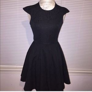 Black textured cocktail dress - LBD 🌟HP🌟